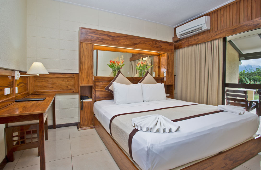 Gateway Hotel - Accommodation - Suite
